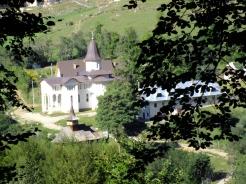 Manastirea Subpiatra