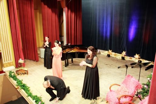 Soprana Laura Mărginean, mezzosoprana Judith Kutasi, tenorul Mircea Șonea și pianista Angela Balici - Concert de Crăciun