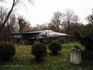 Avion IAR-93