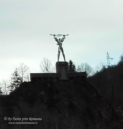 statuie vidraru