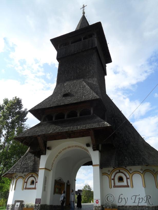 intrarea-la-manastire
